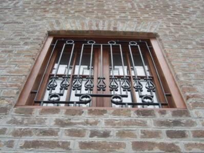 Окна и двери балкона